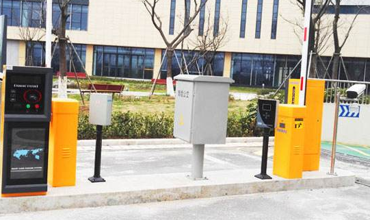 车牌识别停车场管理系统